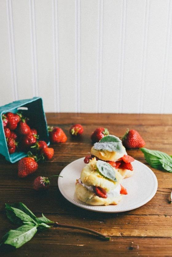 Strawberry Creampuffs